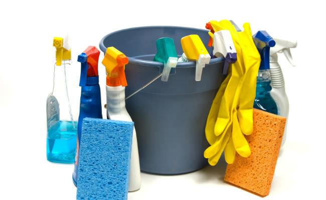Набор инструментов и средств для уборки