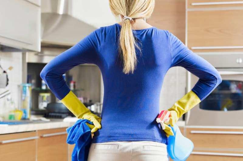 Женщина готовая к уборке