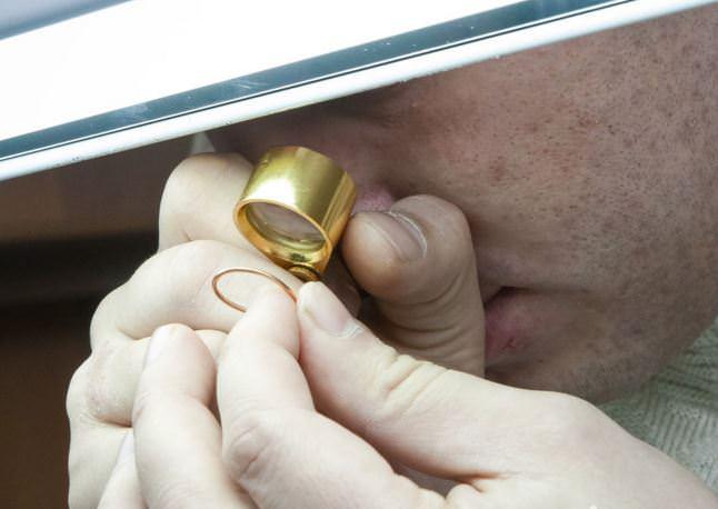 Когда принимают золотые украшения на проверку качества