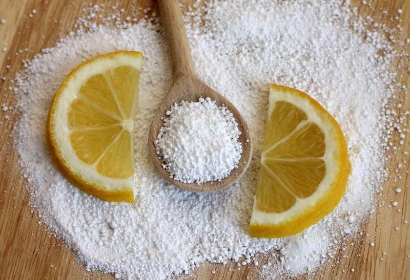 Удаляем жир с кафельной плитки